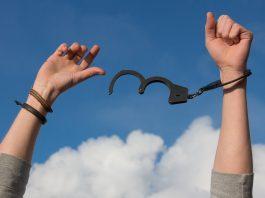 מזהים את ההתמכרות ומתמודדים עמה