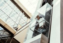 מעליות זכוכית – מעלית שקופה